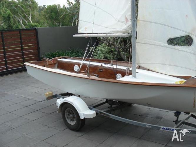 125 Sailing Dinghy & Trailer