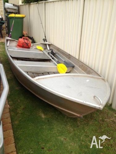 14 ft Savage dinghy