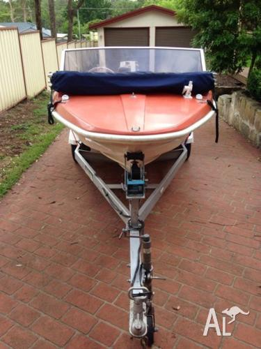 14ft boat with 40hp motor and trailer
