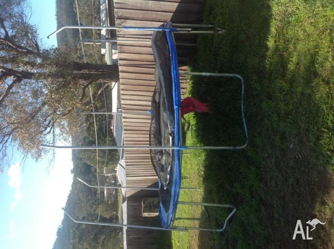 14ft trampoline, netting no good and small hole in mat