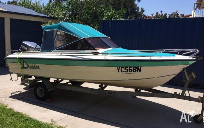 17ft bow rider v4 yamaha 140hp ski wake fishing boat tilt for Yamaha fishing boats