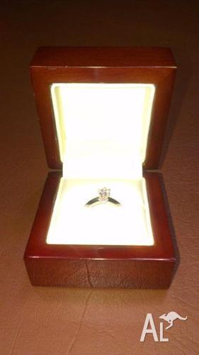 18ct White Gold and Plantinum Handmade angled band Ring