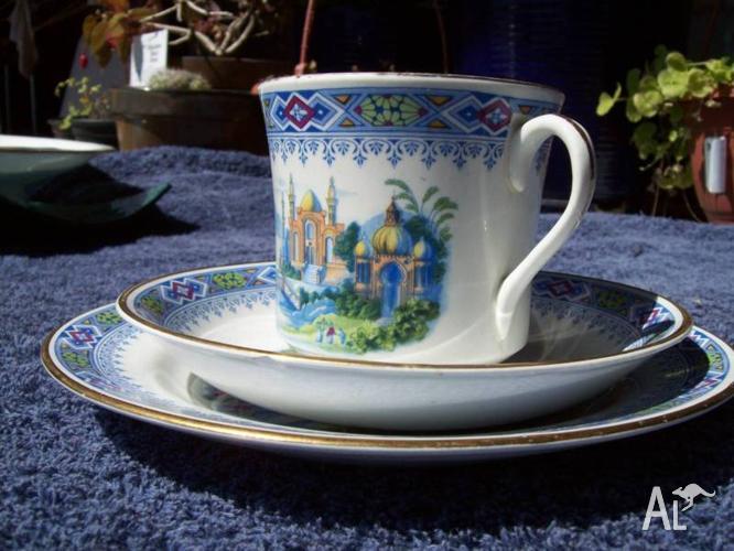 *****1930 Rare Phoenix Ware Arabian fanatasy tea-trio