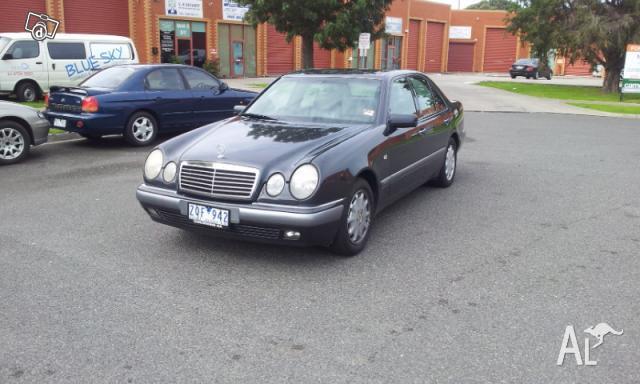 1996 Mercedes-Benz E320 Elegance W210 (Nov) Black