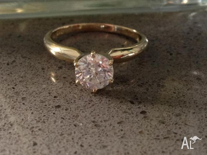 1ct Yellow gold engagement ring
