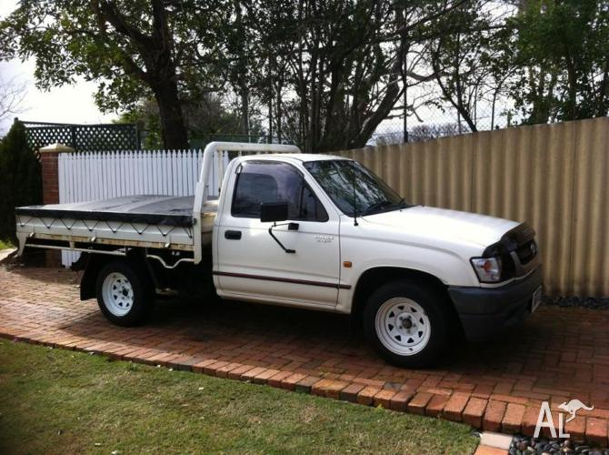 2001 Toyota Hilux Cab Chassis (Perfect Work Vehicle)