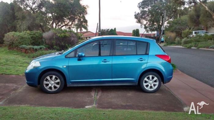2006 Nissan Tiida Hatchback