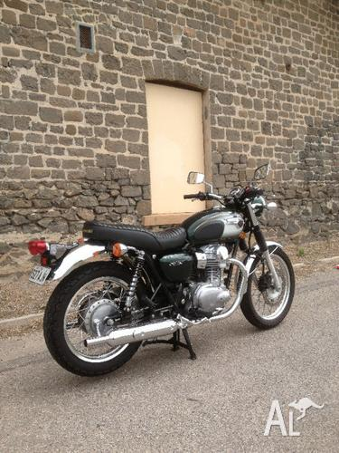2011 Kawasaki W800 - One Owner With Books