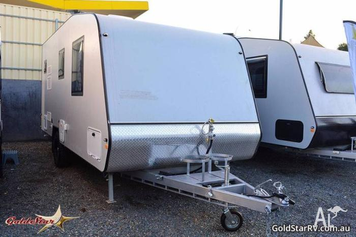 2016 17.6 FT GoldStar RV Full Ensuite,Awning,Solar