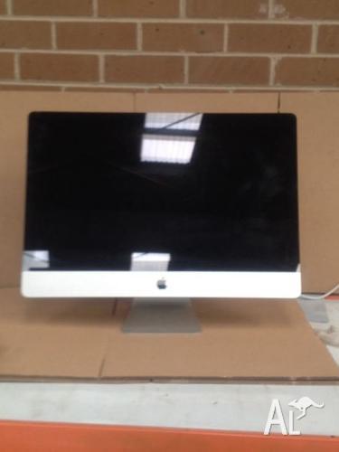 21.5 iMac. i3 3.06GHZ/4GB/500GB/DVDrw