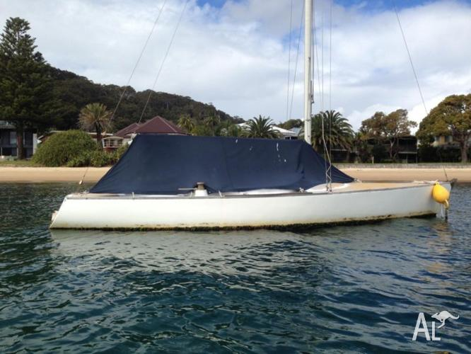 22 ft Sailing Boat - Needs serious love or Mooring