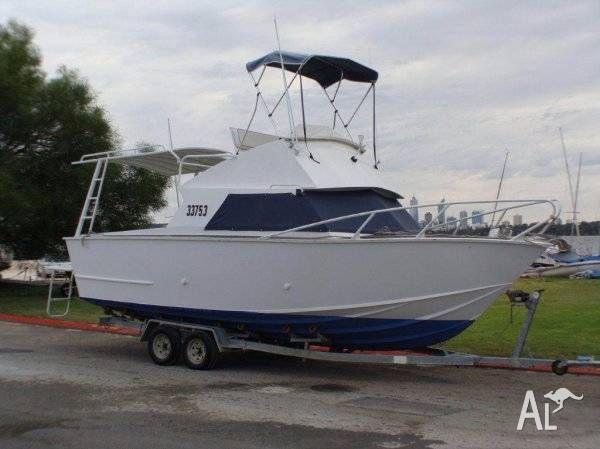 28ft Flybridge Cruiser Alumium $38,000 ONO must sell
