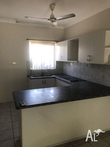 2 bedroom unit Bakewell