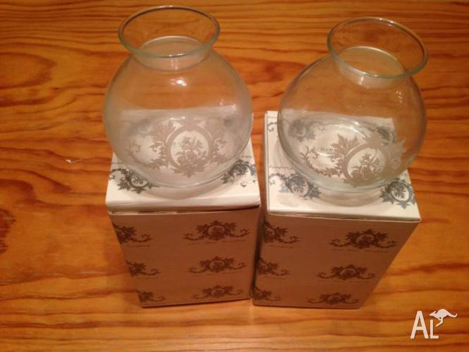 2 x Saywell Vases - 15cm. Made in Portugal