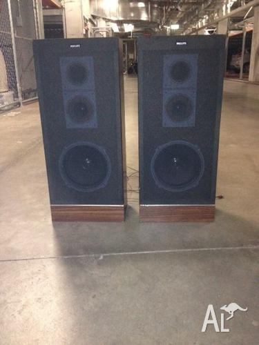 2 X Vintage Philips SE 1 Speakers