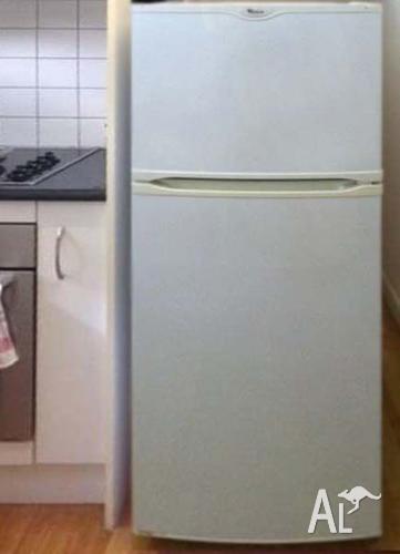 2 YEARS Whirlpool strongshelving fridge/freezer CAN