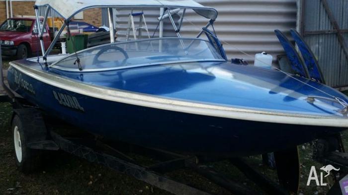 308 ski boat