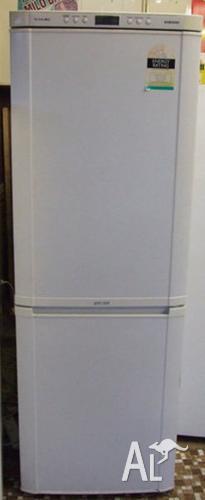 320 litres great Samsung fridge bottom freezer 6 months