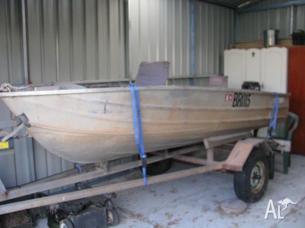3.7M Aluminium Dinghy on trailer
