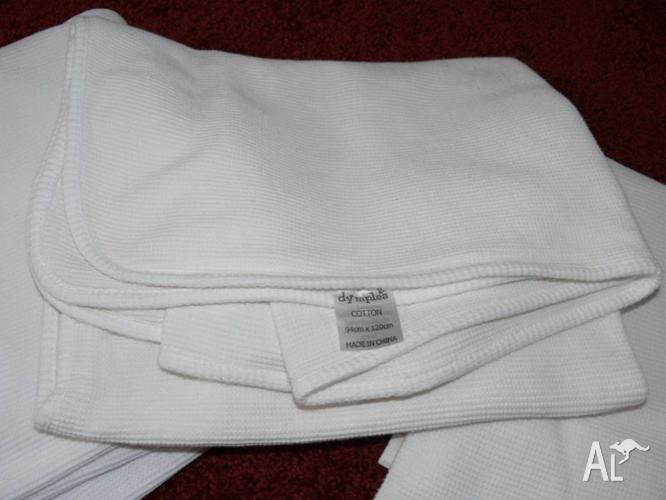 3 X COTTON XL WHITE COT BLANKETS - GOOD SIZE AND ALL