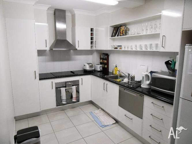 3bed room unit for rent