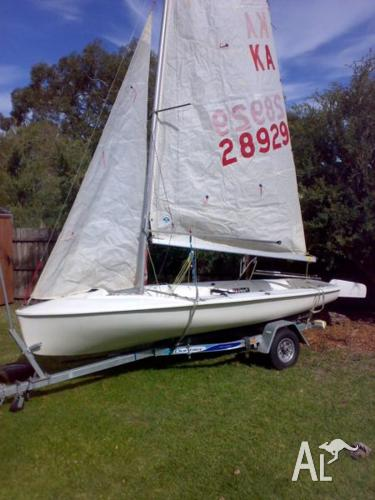 420 International Sailing Dinghy (4.2m long) plus