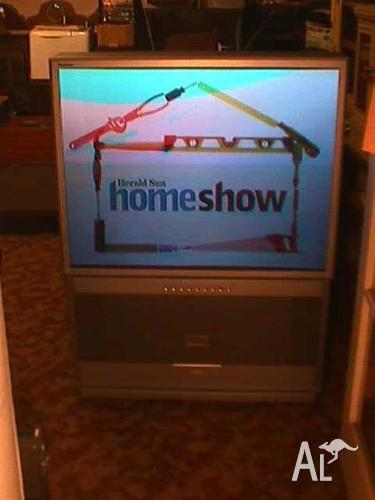 43, Inch Samsung Tantus Rear Projection Tv.