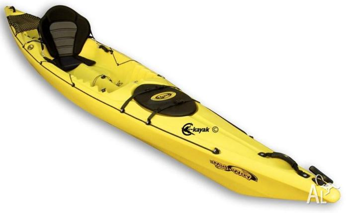 4.4m Touring SOT kayak plus Paddle plus Seat