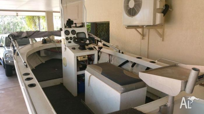 4.8 allycraft centre console 75 hp mercury 2 stroke oil