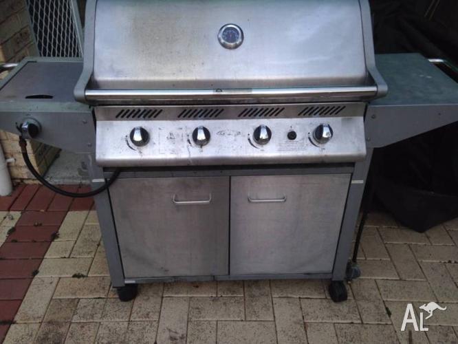 4 burner Beefeater BBQ