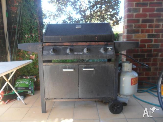 4 Burners Barbeque with Gas bottle