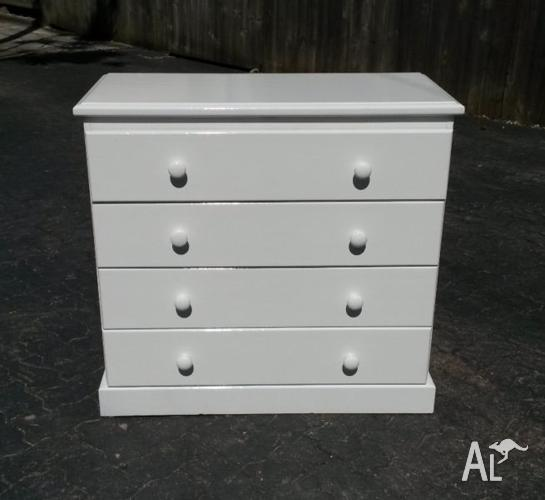 4 DRAWER TIMBER TALLBOY IN HIGH GLOSS WHITE