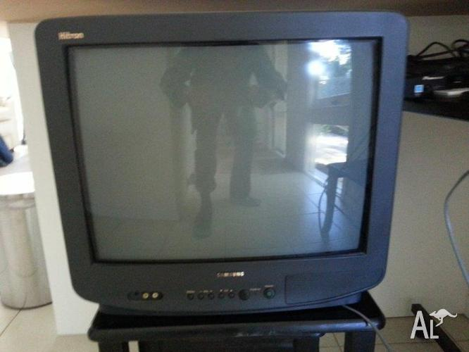 51 CM CRT Samsung TV with Remote and HD Set Top box Delivered for