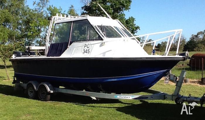 6.8m plate alloy boat with twin Yamaha 90's