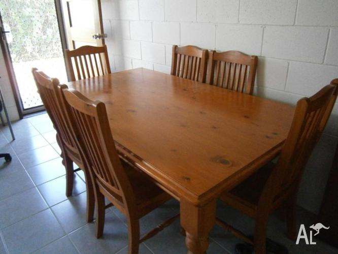 seat solid pine dining table and chairs for sale in scrubby creek