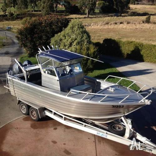 6m Tristar Marine Centre Cab Boat