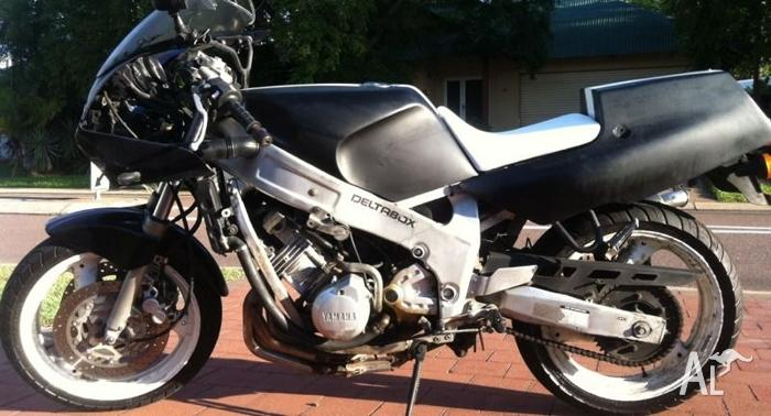 91 Yamaha FZR600 $5500ono