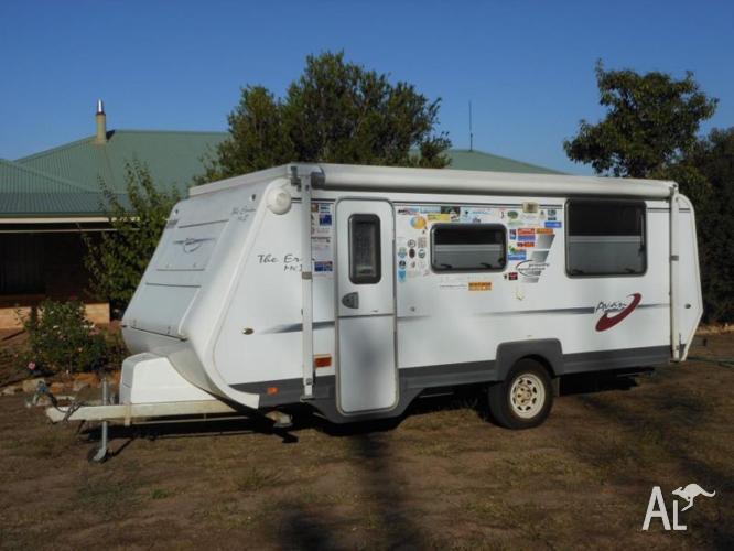 A'van Erin Series 525 16ft Pop-Top