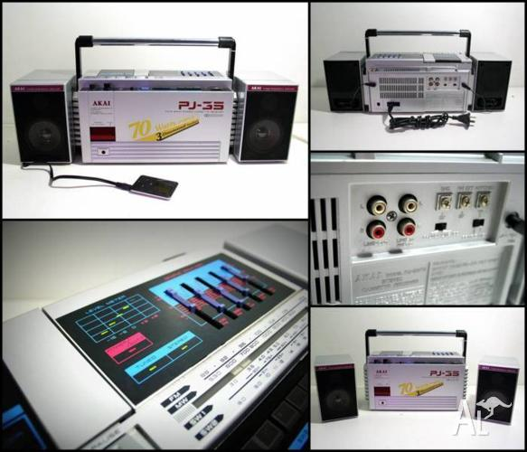 AKAI PJ-35 Four band Stereo Cassette Receiver Boombox