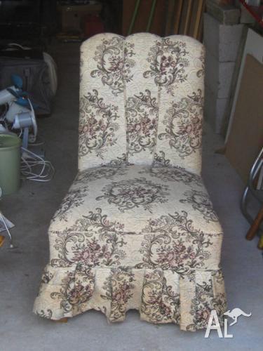 Antique Boudoir/Slipper Chair