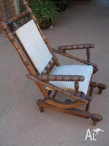 ANTIQUE DEXTER ROCKING CHAIR SOLID SPRING & TURNED TIMBER
