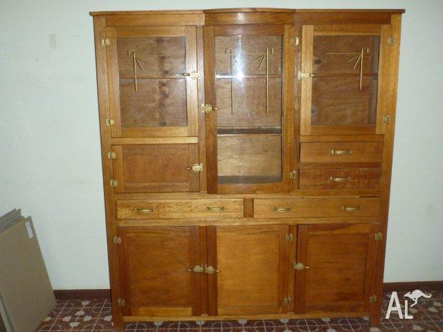 Wonderful Antique Kitchen Dresser 640 x 480 · 138 kB · jpeg