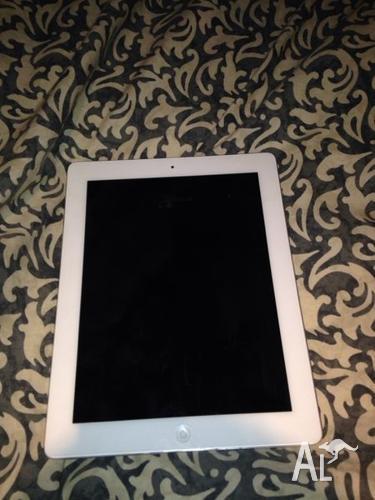 apple iPad 2 3G + WIFI 32GB WHITE UNLOCKEDA