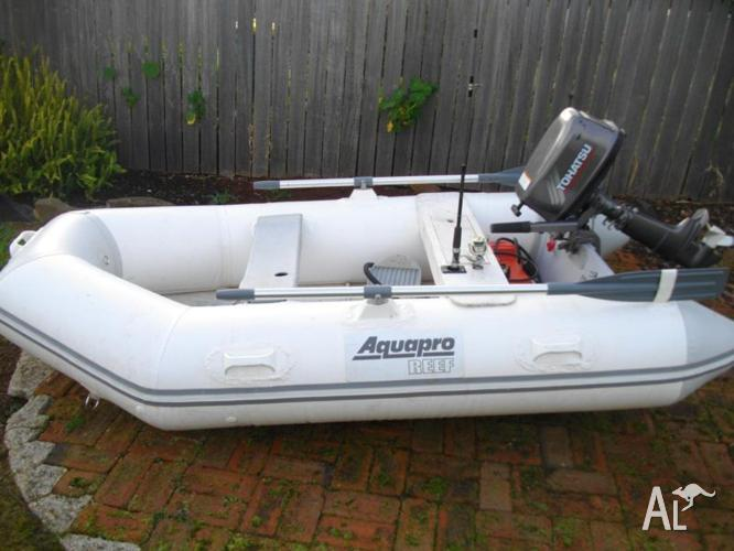 Aqua pro reef inflatable boat with 5hp tohatsu motor for for Dinghy motor for sale