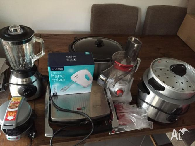 Assorted Kitchen Appliances
