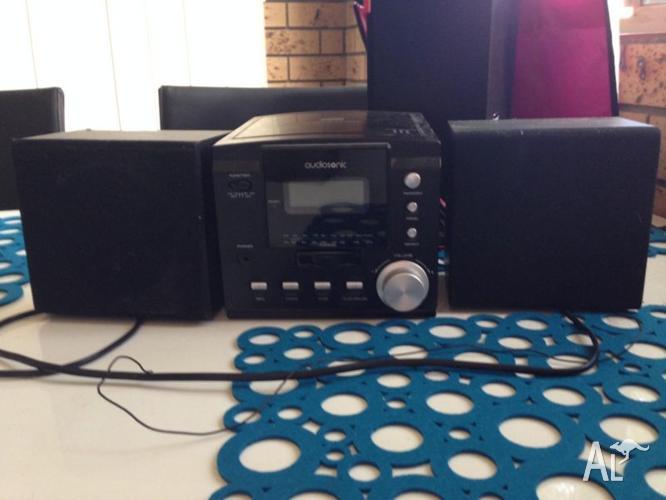 Audiosonic CD Player/Radio