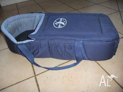 Baby bed / carrier