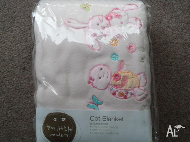 BABY COT BLANKETS (pink with print)