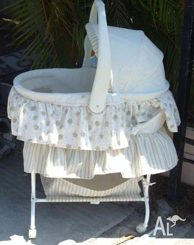 Baby Cradle & baby carrier/Rocker