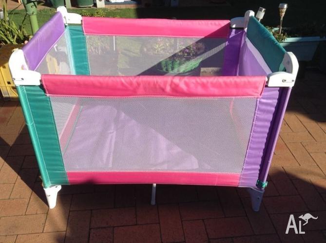 Baby portable Foldup cot